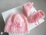 Bonnet et chaussons roses, bb fille, tricotés main