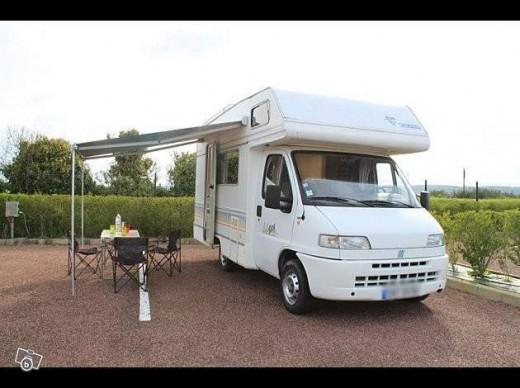 particulier loue son camping car montjoie saint martin. Black Bedroom Furniture Sets. Home Design Ideas