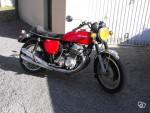 750 FOUR K1 Super moto, toujours entretenue, très bon état.
