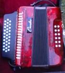 A vendre cause changement pour apprentissage d'accordéon