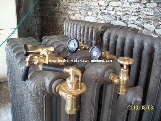 Radiateur en fonte ancien fleuri d cor rococo lisse nantes - Radiateur fonte ancien ...