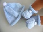 Tricot laine bébé fait main bonnet bleu à pompon