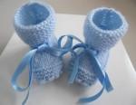 Chaussons BLEUS à crans layette bébé tricot laine