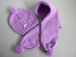 Bonnet et écharpe 03mois réalisés au tricot,