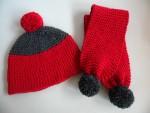 Bonnet et chaussons rouge et gris 06/12 mois