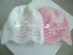 Bonnets rose et blanc bébé tricot fait main