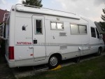 Donne camping car intégral maxi ducato