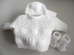 Ensemble Brassière, bonnet, chaussons BLANCS bébé laine