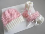 Bonnet et chaussons rose et écru, calinou tricot bébé